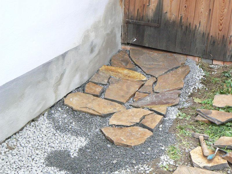 Pokládka kamenné dlažby do štěrku